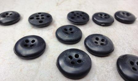 دکمه چهار سوراخ